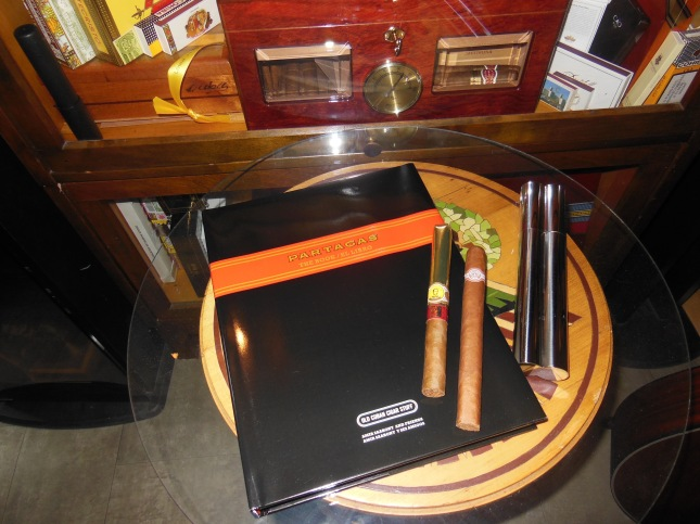 Partagas The Book/El Libro plus a few extras from 2006 sent  over to me. These will be excellent for sure Thanks Louis!